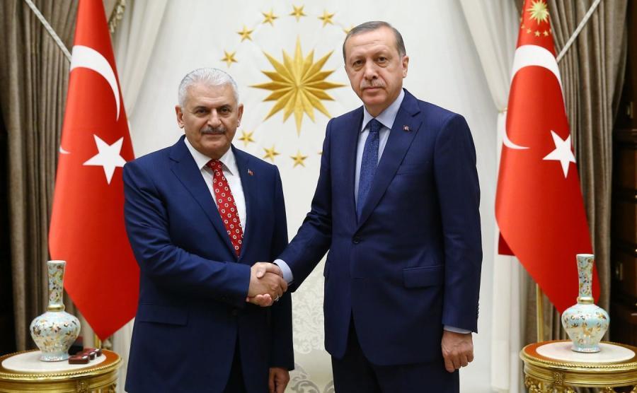 Binali Yildirim i prezydent Turcji Recep Tayyip Erdogan