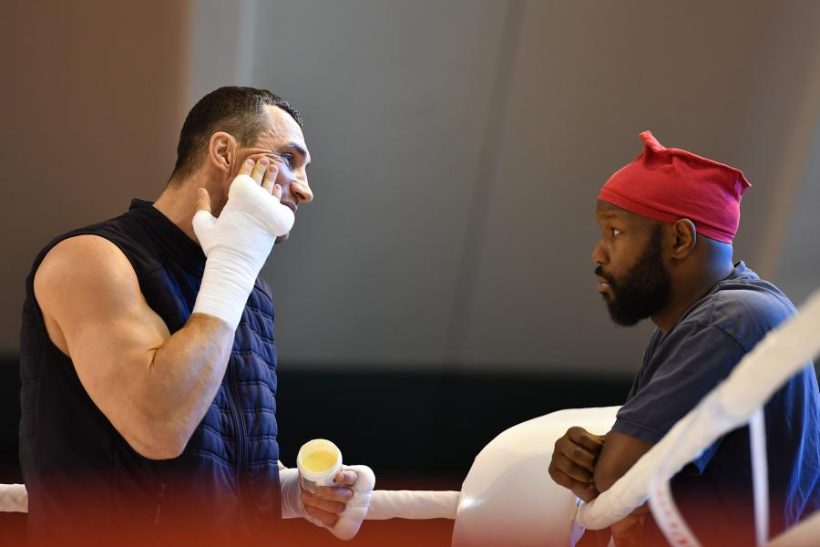Tak Władimir Kliczko wylewa siódme poty przed walką z Tysonem Furym