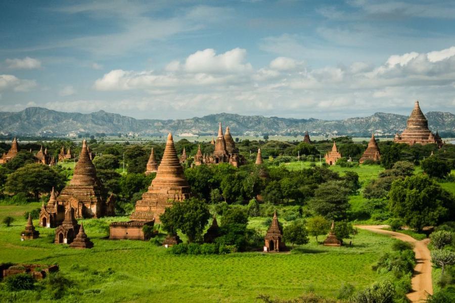 Bagan, Birma; fot. T. Bogusz / Pirania na kolację