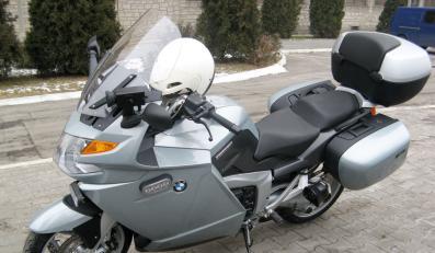 Policja sprawiła sobie potężną maszynę BMW