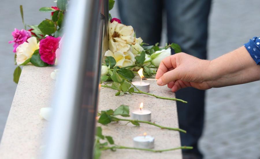 Monachium: Kwiaty niedaleko miejsca ataku