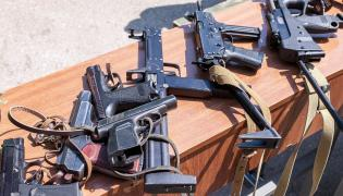 Broń krótka i maszynowa