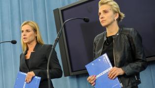 Posłanki Nowoczesnej: Joanna Scheuring-Wielgus (P) i Joanna Schmidt (L)