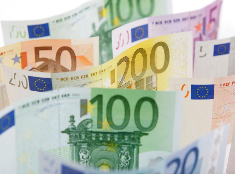 W wakacje euro będzie tanie