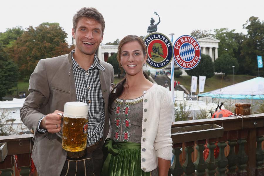 Thomas Mueller z żoną