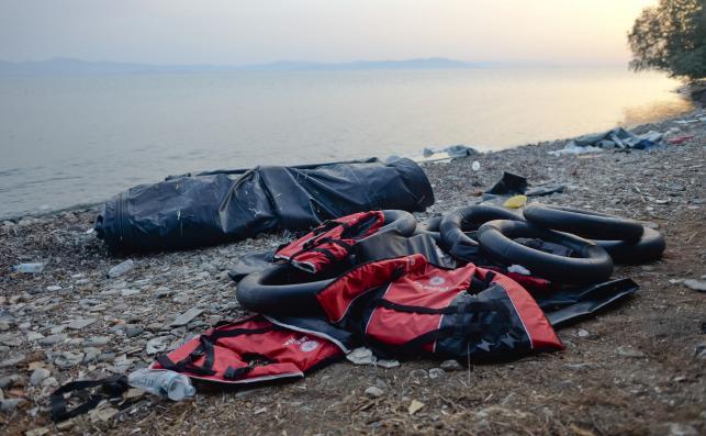 Pozostałości po przypłynięciu uchodźców na wyspę Kos