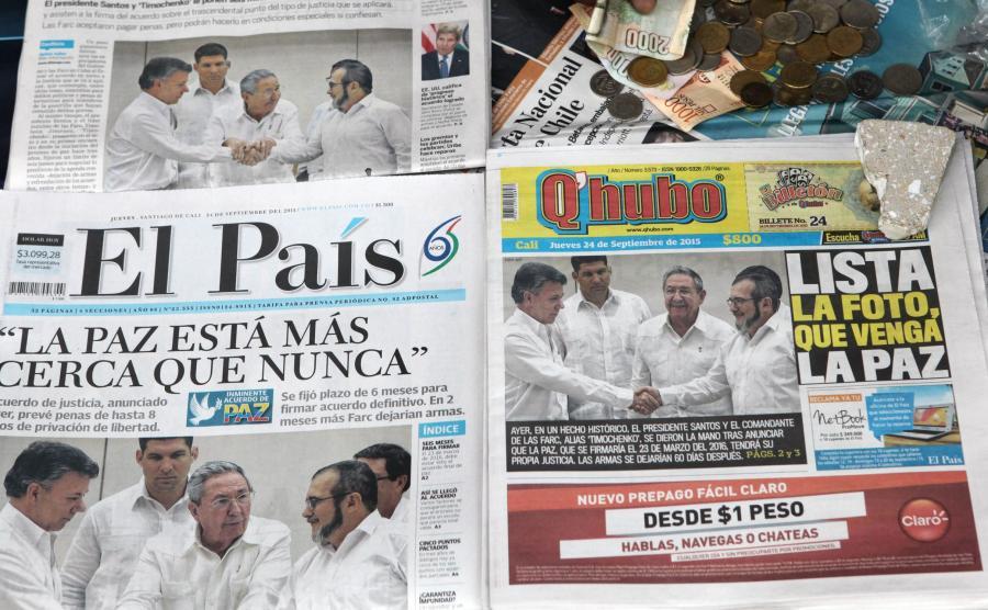 Prezydent Juan Manuel Santos i lider FARC Timoleon Jimenez na pierwszych stronach kolumbijskich gazet
