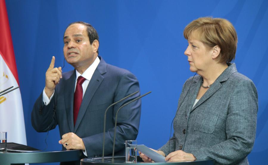 Prezydent Egiptu Abd el-Fatah es-Sisi i niemiecka kanclerz Angela Merkel