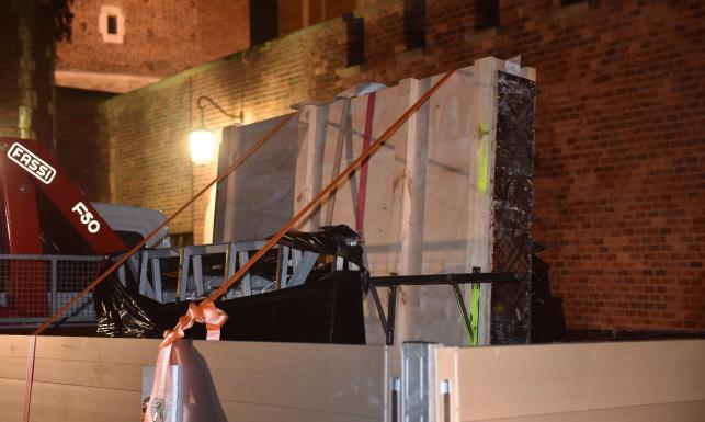 Nowy sarkofag pary prezydenckiej gotowy. Projektantka: Udało się nie zakłócić harmonii tego miejsca [ZDJĘCIA]
