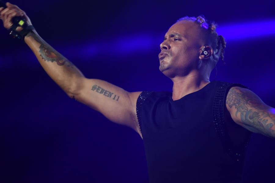 """2 Unlimited podczas koncertu """"90s Live in Concert"""" w Ergo Arenie w Gdańsku"""