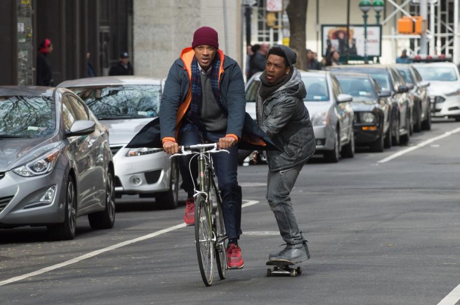 """Will Smith oraz Jacob Latimore w filmie """"Ukryte Piękno"""". Premiera 25 grudnia 2016. fot. materiały prasowe"""