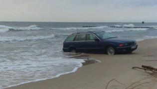 BMW na plaży w Mielnie