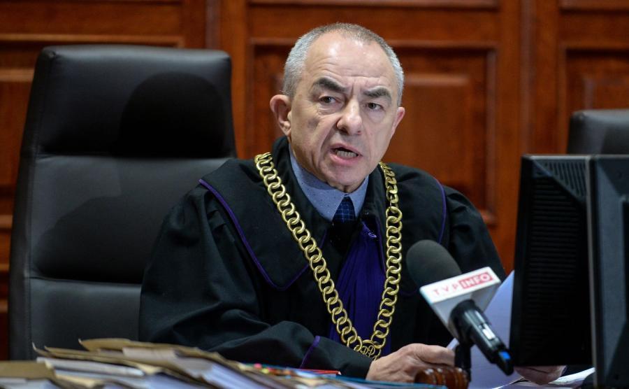 Sędzia Tomasz Julian Grochowicz podczas odczytania wyroku