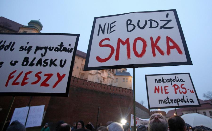 Protesty przeciw Jarosławowi Kaczyńskiemu